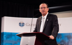 Iorg, at convocation, underscores evangelism as priority